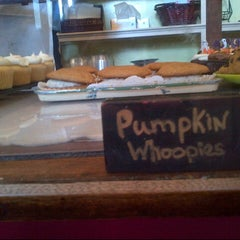 Photo taken at Two Fat Cats Bakery by Nisa K. on 10/27/2012
