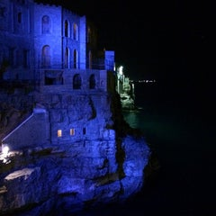 Photo taken at Grotta Palazzese by Zampa on 8/27/2014