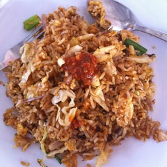 Photo taken at Sri Weld Food Court by Sergei C. on 2/25/2013