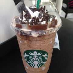 Photo taken at Starbucks by YyOng on 12/3/2012