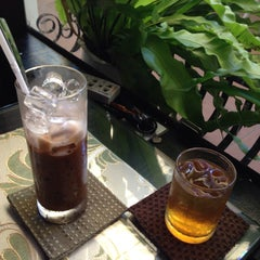 Photo taken at Đen & Trắng Cafe by Cuốc L. on 4/6/2015