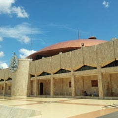 Photo taken at Masjid Raya Sabilal Muhtadin by Endi G. on 11/29/2012