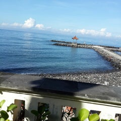 Photo taken at Le - Zat Beach restaurant by valkyrie d. on 4/27/2014