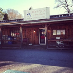 Photo taken at Dolly's Farmhouse Restaurant by The R. on 2/17/2013