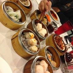 Photo taken at Star Kitchen by Jimmy L. on 11/26/2012