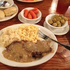 Photo taken at Cracker Barrel Old Country Store by Julie K. on 3/1/2013