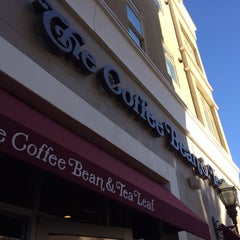 Photo taken at The Coffee Bean & Tea Leaf by Aaron R. on 1/15/2014