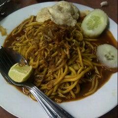 Photo taken at Mie Aceh CitaRasa by cynthia d. on 11/25/2012