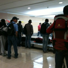 Photo taken at Cinta Equipaje 6 / Baggage Belt 6 by Freddy A. on 10/29/2012