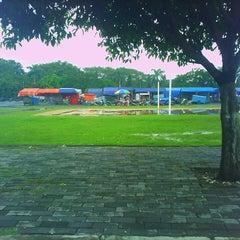 Photo taken at Pasar Malam Lapangan Kodam V Brawijaya by Aan C. on 2/25/2013