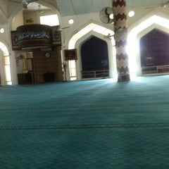 Photo taken at Masjid Nurul Iman Serendah by Muhammad A. on 11/24/2014