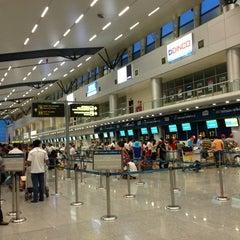 Photo taken at Da Nang International Airport (DAD) Sân bay Quốc tế Đà Nẵng by Ba L. on 7/8/2013