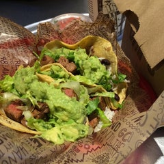 Photo taken at Chipotle Mexican Grill by Roger C. on 9/14/2014