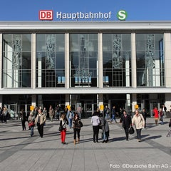 Photo taken at Dortmund Hauptbahnhof by Deutsche Bahn on 12/17/2012