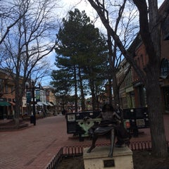 Photo taken at Downtown Boulder, Inc by Shahad T. on 4/6/2014