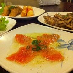 Photo taken at Restaurante Sushi Tori | 鳥 by Sil on 12/1/2012