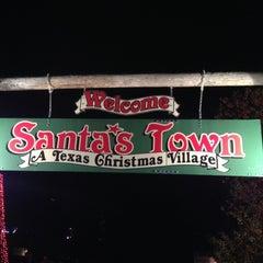 Photo taken at Santa's Wonderland by Paul T. on 11/24/2012