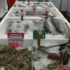 Photo taken at Shun Fat Supermarket by Yubert F. on 8/24/2013