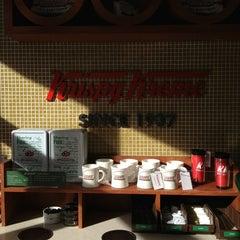 Photo taken at Krispy Kreme by Raiza I. on 2/16/2013