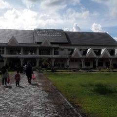 Photo taken at Bandara Kol. RA. Bessing Malinau by Titis P. on 6/1/2014