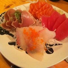 Photo taken at Hon Machi Sushi & Cocktails by Alex R. on 4/29/2013