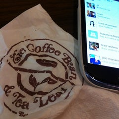 Photo taken at The Coffee Bean & Tea Leaf by Daniel B. on 11/5/2012