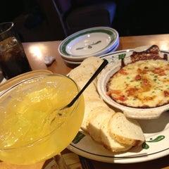 Photo taken at Olive Garden by Lindsay C. on 3/7/2013