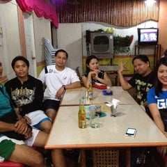 Photo taken at Isang's Chicken Inasal by Terryl Grace G. on 9/21/2012
