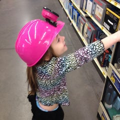 Photo taken at PetSmart by Kristina L. on 1/14/2014