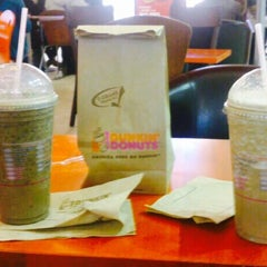 Photo taken at Dunkin' Donuts by Joel H. on 6/7/2014