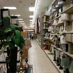 Photo taken at Christmas Tree Shops by Michael Y. on 11/17/2012
