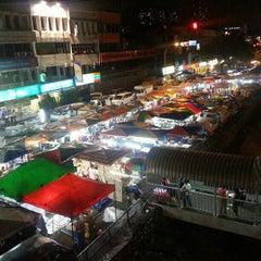 Photo taken at Pasar Malam Taman Connaught 康乐 by Anna Bella W. on 12/12/2012