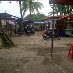 Photo taken at Pusat Jajan Batan Indah by Asih K. on 10/8/2012