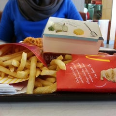 Photo taken at McDonald's by noor h. on 9/20/2014