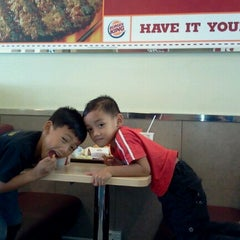 Photo taken at Burger King by Mohd Fauzi B. on 10/25/2012