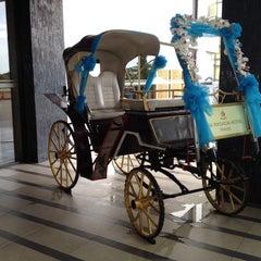 Photo taken at Rua Rasada Hotel (โรงแรมเรือรัษฎา) by Angel S. on 7/10/2015