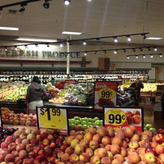 Photo taken at Ralphs by Asger B. on 7/20/2014