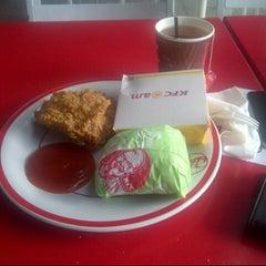 Photo taken at KFC / KFC Coffee by Arobz M. on 5/22/2013