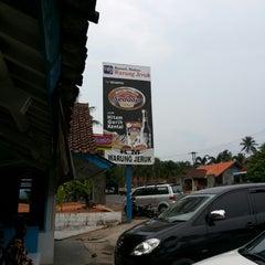 Photo taken at Rumah Makan Warung Jeruk by Abby K. on 1/7/2014