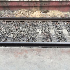 Photo taken at Jogeshwari Railway Station by Arjun on 9/10/2015