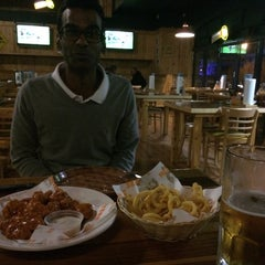 Photo taken at Hooters by Edward P. on 7/22/2014