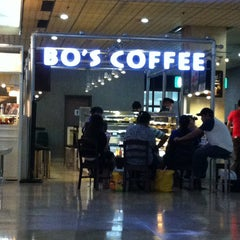 Photo taken at Bo's Coffee Club by Lai on 5/12/2013