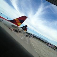Photo taken at Terminal Puente Aéreo by Álvaro on 1/28/2013