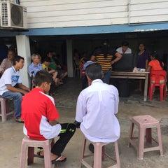 Photo taken at Pakar Tulang Ungku Mohsin by Naser I. on 1/31/2015