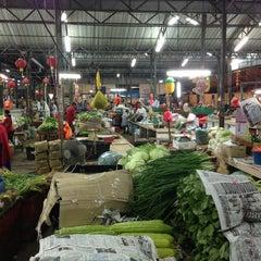 Photo taken at Pasar Jalan Klang Lama by Elan D. on 3/8/2013