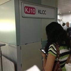 Photo taken at RapidKL KLCC (KJ10) LRT Station by Elan D. on 4/9/2013