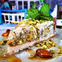 Photo taken at Sainte Marie Gastronomia by inominado on 2/21/2013