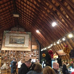 Photo taken at Huber's Orchard, Winery, & Vineyards by Lance R. on 11/23/2012
