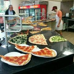 Photo taken at Zetti's Pizza & Pasta by Collis H. on 8/26/2015