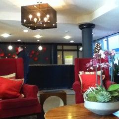 Photo taken at Radisson Hotel Fisherman's Wharf by Mitch K. on 11/23/2012